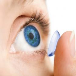 Как надевать и снимать контактные линзы, а также правильный уход за ними